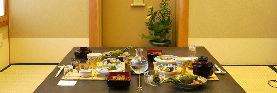 長野県松本市にある大正九年創業  うなぎ割烹 桜家